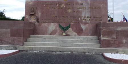 monument-du-caporal-peugeot-2